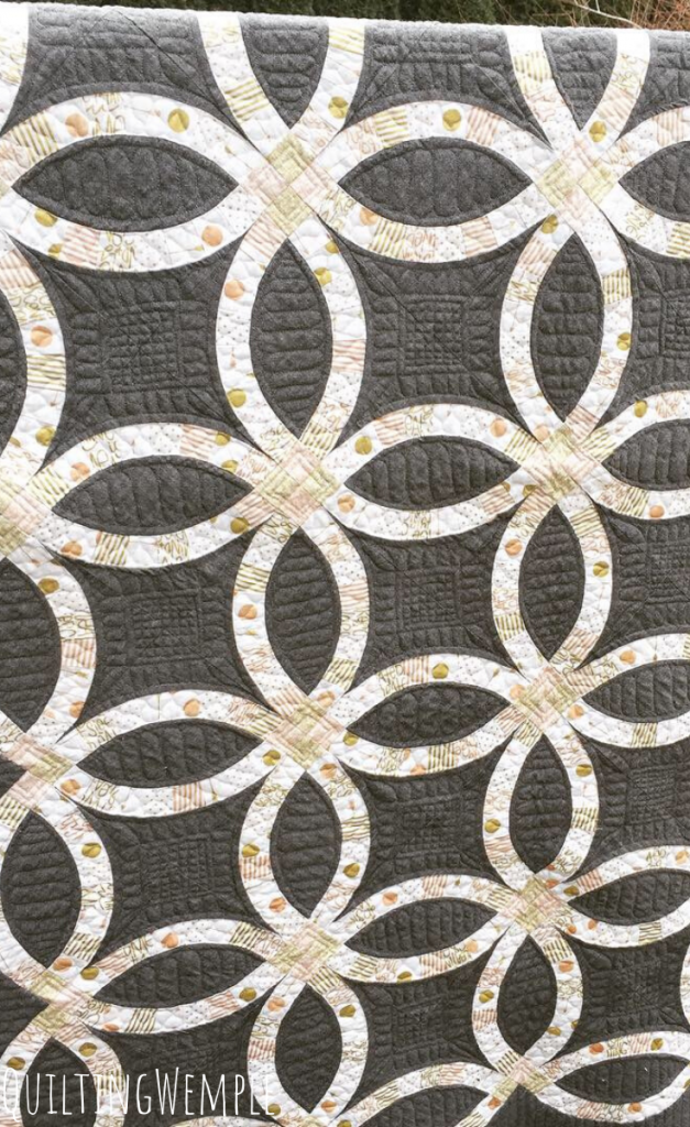 Modern Take on the Double Wedding Ring Quilt